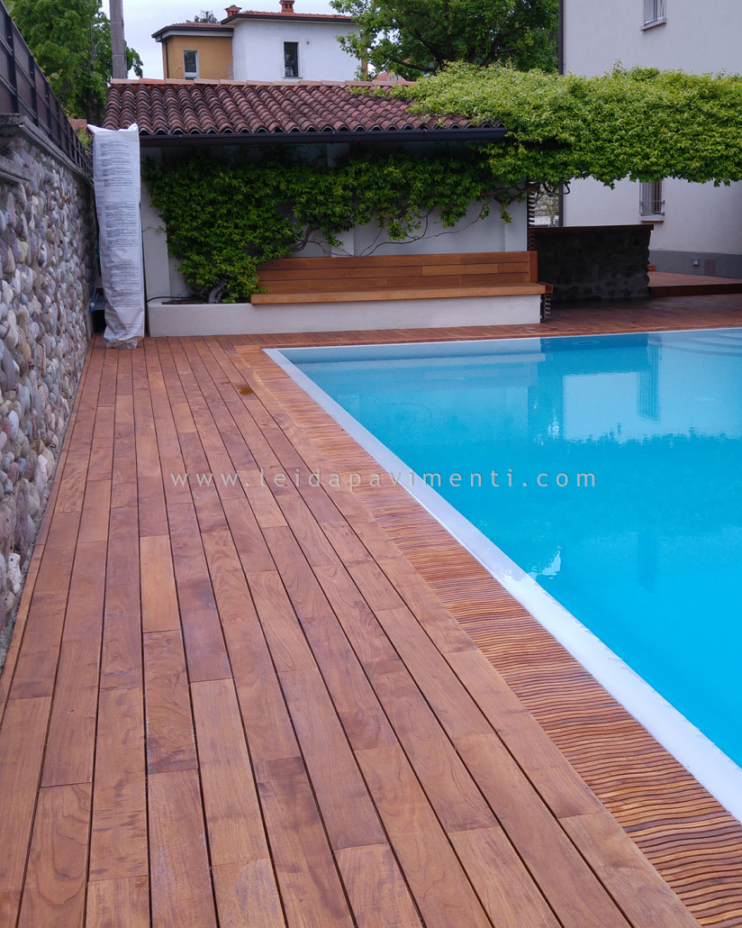 Cheap teak asia per esterni with pavimento teak for Listoni legno per pavimenti interni